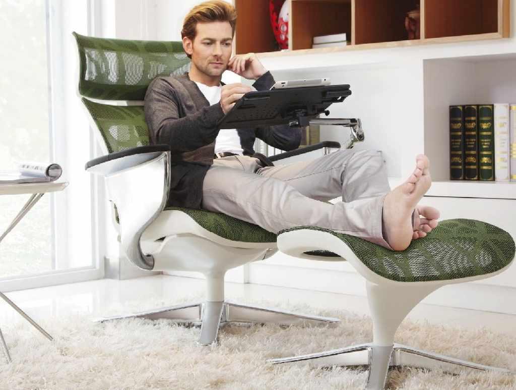 домашнее кресло реклайнер для ноутбука
